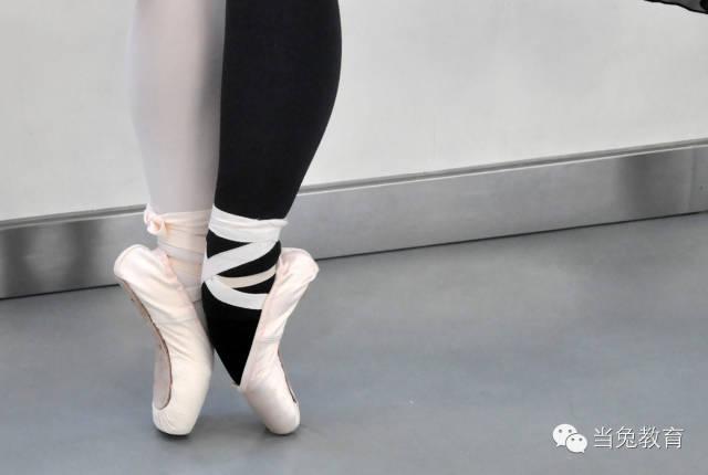 帮助孩子立上足尖,完成一个从童话到现实的演变_北京儿童芭蕾培训