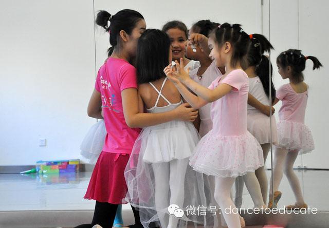 困难,不会出现在真正被陪伴的时候-北京儿童芭蕾培训