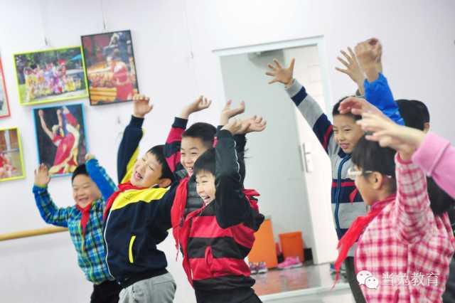从基础舞蹈教育研究看儿童舞蹈教学中的问题五六_北京儿童芭蕾培训