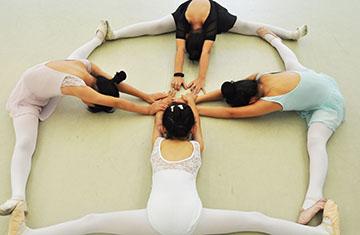 """当兔舞蹈课里的""""罗马""""-北京儿童芭蕾培训"""
