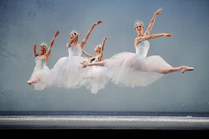 芭蕾常识普及—纵观脚尖上的进化_北京儿童芭蕾培训