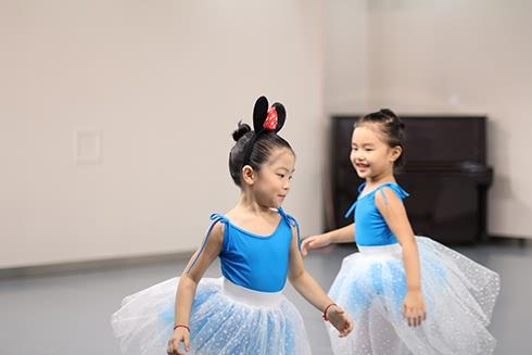 2013年当兔灰姑娘工作坊展演-北京儿童芭蕾培训