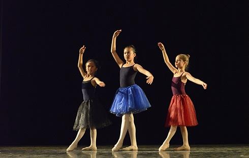 当兔2013年度汇演圆满结束-北京儿童芭蕾培训